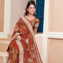 Индийское сари – «платье-символ» восточных женщин