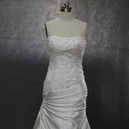 Продается готовое свадебное платье, пошитое на заказ из Китая