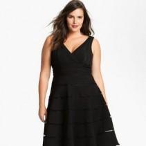 Маленькое черное платье для полных: каждую красавицу сделает роскошной