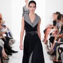 Модное платье с запахом: универсальная модель наряда из 70-х