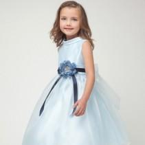 Платья для девочек на Новый год 2012 – праздник для ребенка