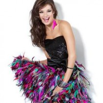Платья на выпускной 2013 для обаятельных красоток: 70 фото