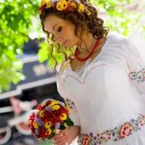 Платья в украинском стиле – единство традиций и модных веяний