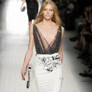 Правила ношения платья с декольте: в каких случаях уместны глубокие вырезы