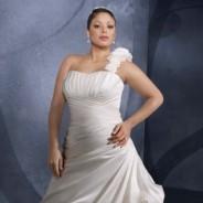 Свадебные платья для полных – великолепие округлых форм