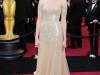 Знаменитости в платьях бежевого цвета - Мэнди Мур