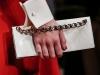 Какой клатч подойдет к красному платью, на фото модель Valentino