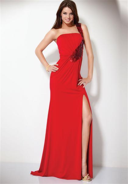 Модные красные платья на Новый год новые фото