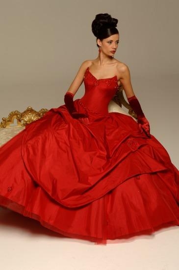 Wedding saloon свадебные платья с красной