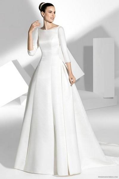 Свадебные платье простое закрытое
