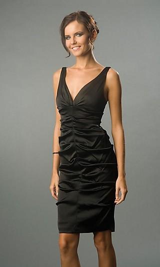 Описание: платье футляр для полных.
