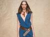 Платье с оригинальным запахом и вырезом от Donna Karan