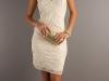 Короткое белое платье на День Святого Валентина