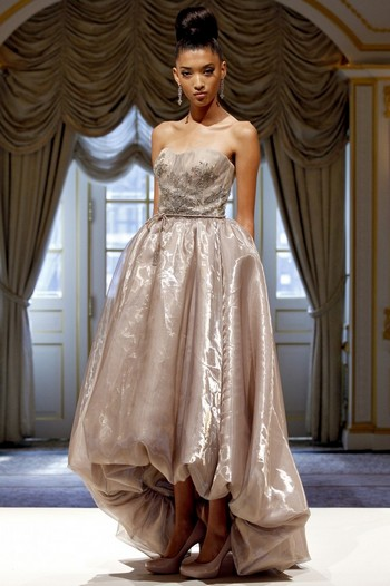 Как видишь, вариантов модных платьев на выпускной 2013 года множество. Чтобы стать самой красивой и долгие годы