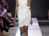 Белое платье с баской от Giambattista Valli