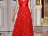 Красное платье с глубоким декольте от Zuhair Murad