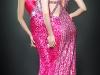 Красное вечернее платье с вырезом