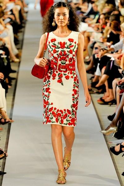 Модели платьев с вышивкой фото 5971