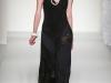 Черное платье в бельевом стиле от Moschino