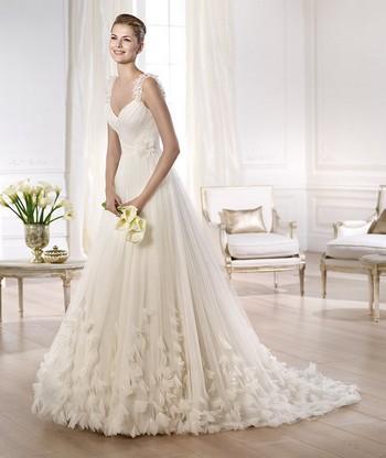 Свадебные платья со шлейфом не пышные