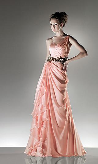 Вечернее платье в розовом цвете фото
