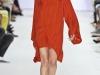 Красное платье спортивного стиля от Lacoste