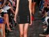 Короткое спортивное платье с заниженной талией от Victoria Beckham