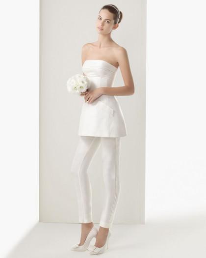 Короткое креативное свадебное платье