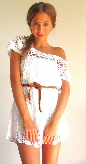 Белые летние вязанные платья