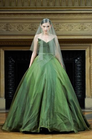 Зеленый цвет свадебного платья
