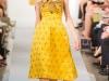 Красивое желтое платье Oscar de la Renta Весна-Лето 2013