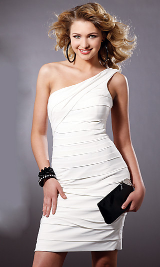 Фасоны маленького черного платья.  Маленькое черное платье - это...