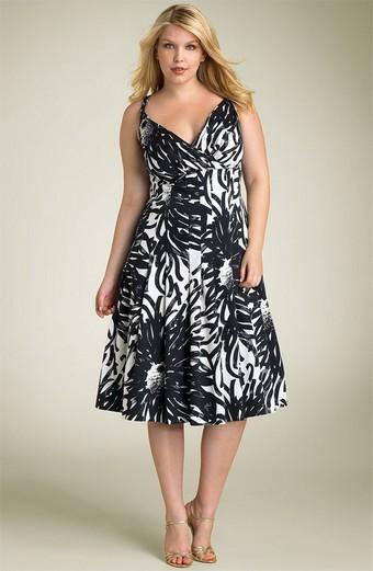 Летнее платье для фигуры типа яблоко