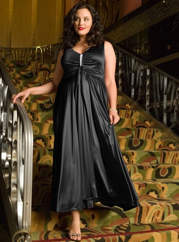 Черное вечернее платье для полных