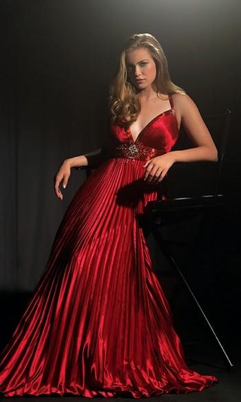 Красное платье для полных