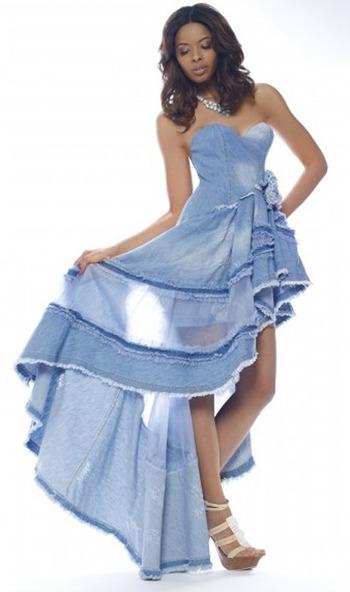 Ванесса Симмонс в джинсовом платье Ermanno