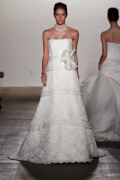 Свадебное платье из кружева 2011 от Rivini