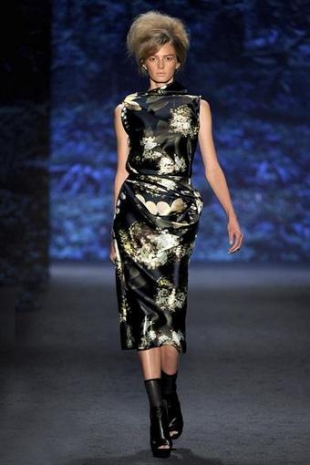 Атласные платья 2011 - коллекция весна-лето 2011 Веры Вонг