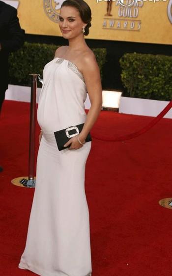 Аксессуары к вечернему платью - беременная Натали Портман