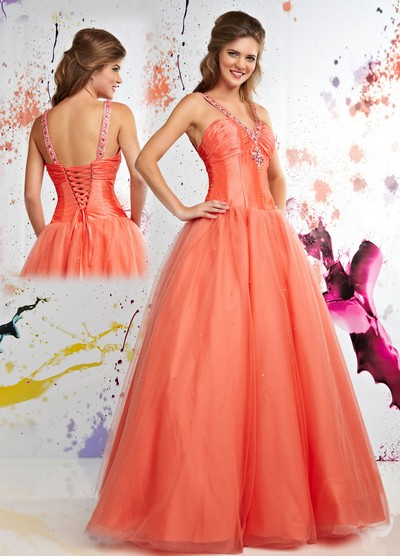 Фото пышные платья с корсетом.