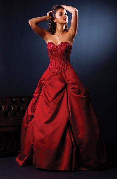 Красное свадебное платье в традициях