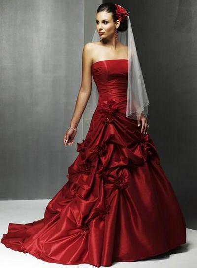 Свадебное платье с красным цветом фото