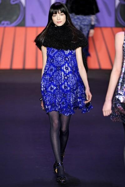 Anna Sui - синее платье в богемном стиле 2011-2012
