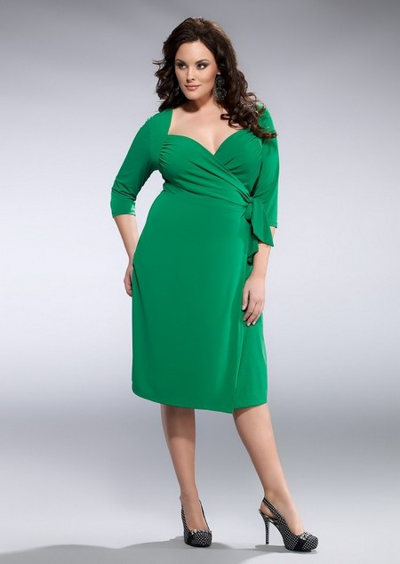 A leader in the plus-size clothing industry, KIYONNA has styled curvy women with its collection of contemporary plus