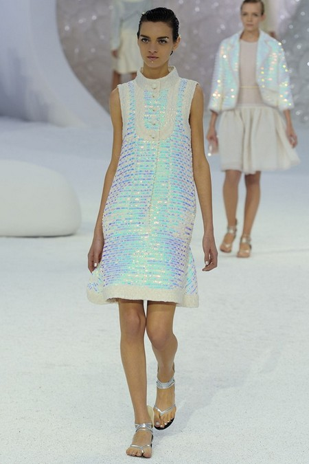 Chanel весна-лето 2012.  Видео часть 1. Подводный мир Карла Лагерфельда.