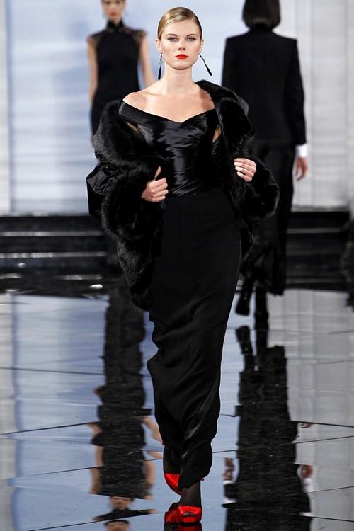 Вечерние платья с накидкой из меха от Ralph Lauren