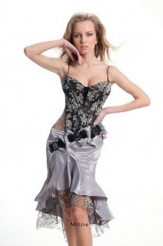 Короткое платье-годе от Оксаны Мухи