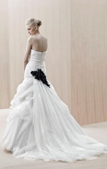 Свадебные платья 2012 года фото