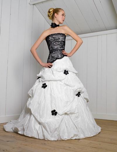 Черно белое свадебное платье
