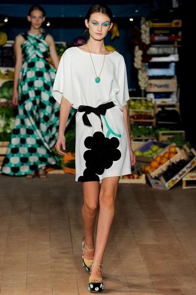 Деловое платье-туника 2012